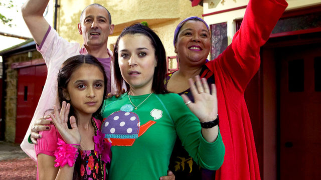 Tracy Beaker: Dani Harmer; Mike: Connor Byrne; Cam: Lisa Coleman