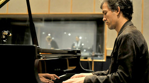 b014w51y 303 170 If Brad Mehldau had a radio show, would he feature Jamie Cullum?