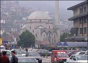 N� q�ndrat kryesore kosovare ka lokale prostitucioni (Foto Prizren)
