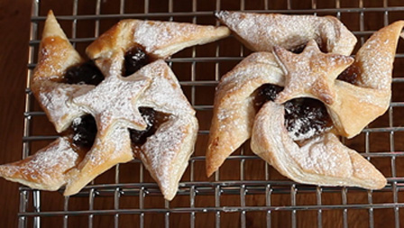 Maple glazed mince pies