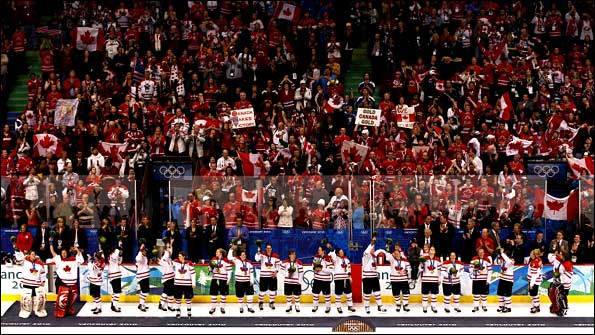 Canadian crowd celebrates women's ice hockey gold