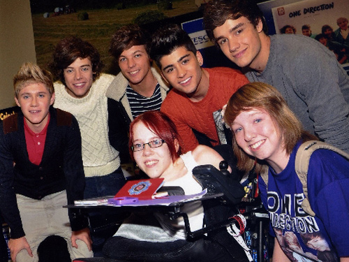 Joanne O'Riordan meets boy band One Direction