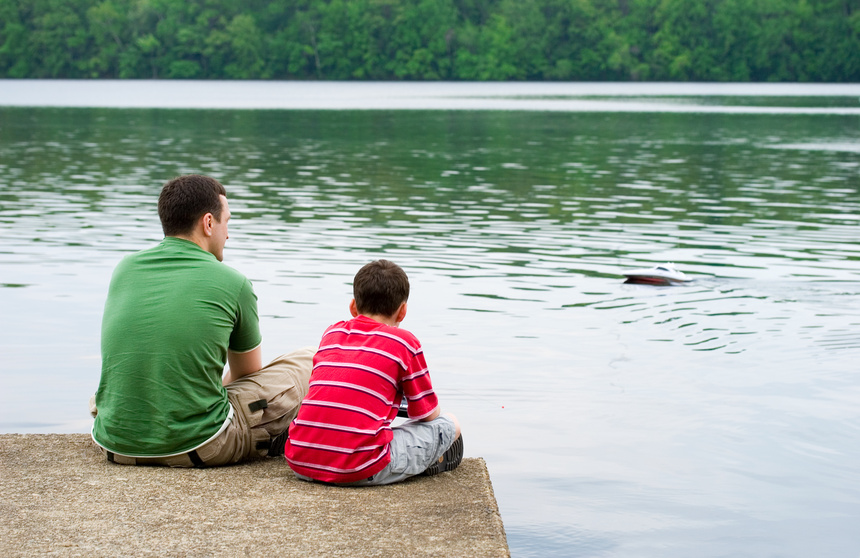 Father and son @ Olga Lyubkin - Fotolia.com