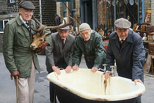 Brian Wilde as Walter Foggy Dewhurst, Robert Fyfe as Howard, Bill Owen as Compo, Peter Sallis as Norman Clegg
