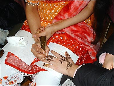 Henna tattoos are very intricate. Designs and patterns vary from culture to