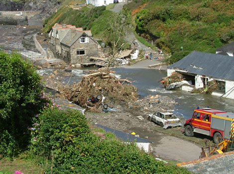 boscastle flood 2004 The boscastle flooding heavy storms on monday 16th august 2004 hit the area of boscastle and crackington haven in north cornwall, causing 6cm many people responded with the views on the boscastle flood on the internet.
