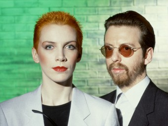 Eurythmics with the world at their feet (and thus out of shot), 1983