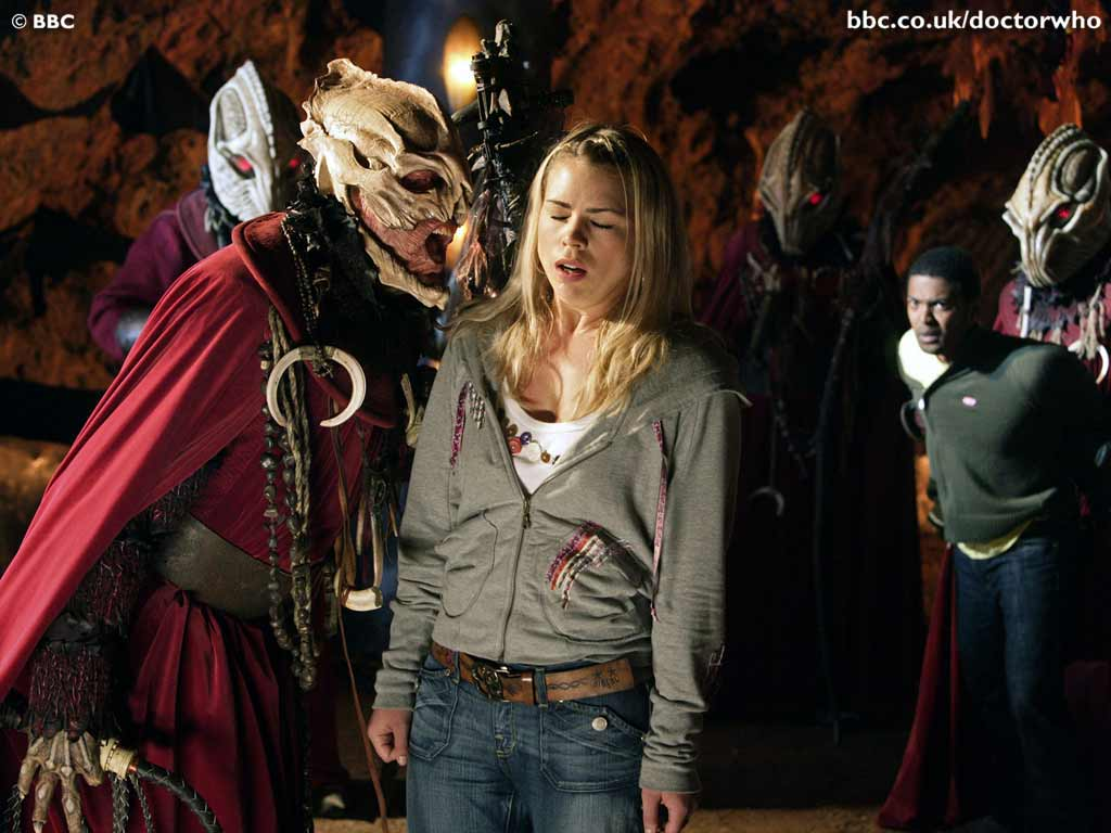 BBC - Doctor Who - The Christmas Invasion - Episode Guide