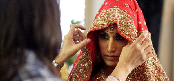 Preeya Kalidas as Amira