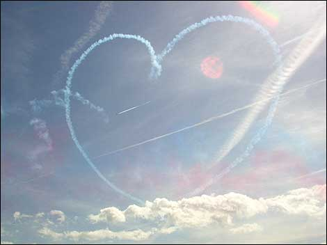 Selected Art, Music, Pictures, Videos & Quotes to Illustrate What Heaven Will Be Like! Vapour_trail_heart_470_470x352