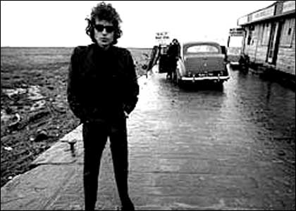 http://www.bbc.co.uk/gloucestershire/content/images/2005/09/26/dylan_bob_420_420x300.jpg