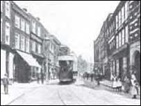 Tram in Worcester copyright Leslie Oppitx