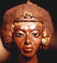 http://www.bbc.co.uk/history/ancient/egyptians/images/women_tiy_statue.jpg
