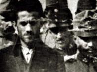 Гаврило Принцип, которого привезли в суд по делу об убийстве Франца.