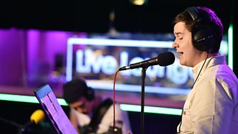 [WATCH] Lukas Graham cover Love Yourself by Justin Bieber - R1 Live Lounge