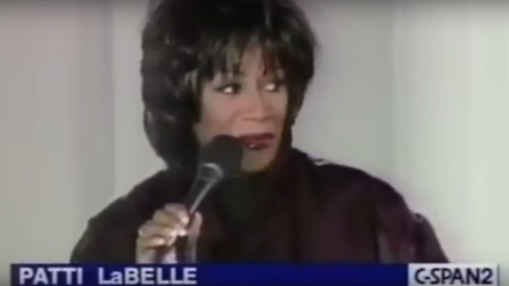 Patti Labelle This Christmas.On Stage Disasters That Musicians Heroically Styled Out