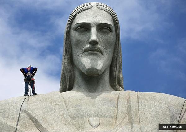 Rio Statue Face
