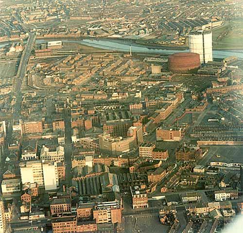 بلفاســـت الايرلنديـــــة belfast-aerial1.jpg