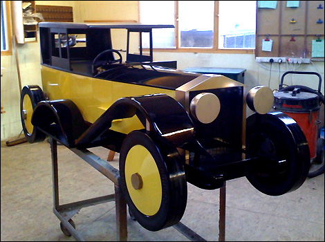 http://www.bbc.co.uk/nottingham/content/images/2009/02/10/car_crazy_coffin_470_470x350.jpg