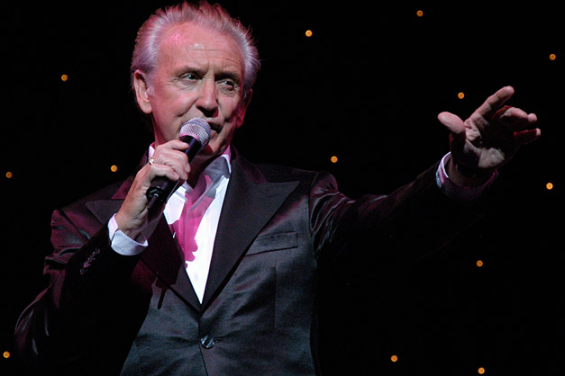 Tony Christie - (Is This The Way) To Amarillo?