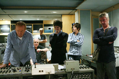 Oasis with engineer Geoff Emerick and Paul Weller