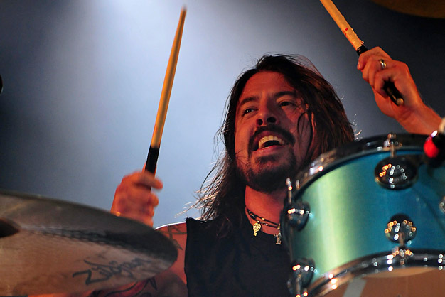 dave grohl drumming leeds fesitval