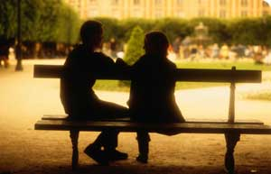 http://www.bbc.co.uk/relationships/images/300/couple_bench.jpg