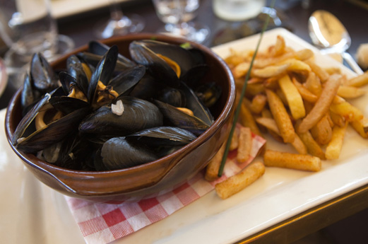 Moules frites - mussels and chips
