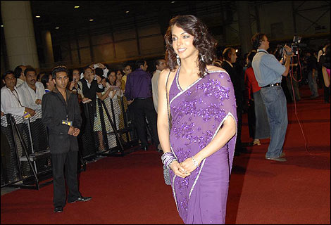 http://www.bbc.co.uk/shropshire/content/images/2006/06/30/iifa_red_carpet_07_470x320.jpg