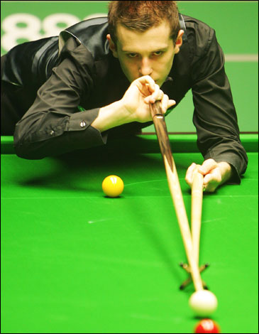 mark selby. Mark Selby in action during
