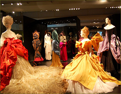 vivienne westwood dresses catwalk. Vivienne Westwood: The