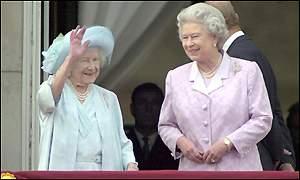 Bbc Mundo La Reina Madre 100 Anos De Historia 04 08 2000