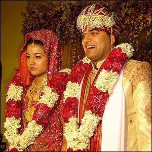 Las bodas en la India no se tratan de un hombre y una mujer, sino que también sus familias están englobadas.