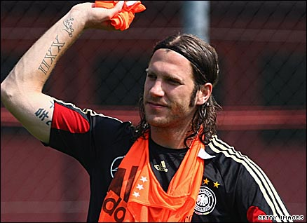 Torsten Frings has overcome a rib problem to play against Turkey