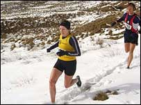 Harriers run in the snow (C) Holmfirth Harriers