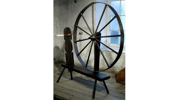 Dating spinning wheels