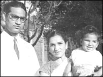 Avatar Nath Duggal with his wife and son in 1961