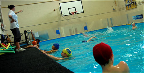 Bbc manchester places little pool makes a big splash for Public swimming pools manchester