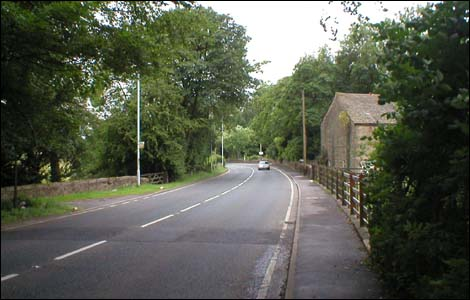 road into holme chapel