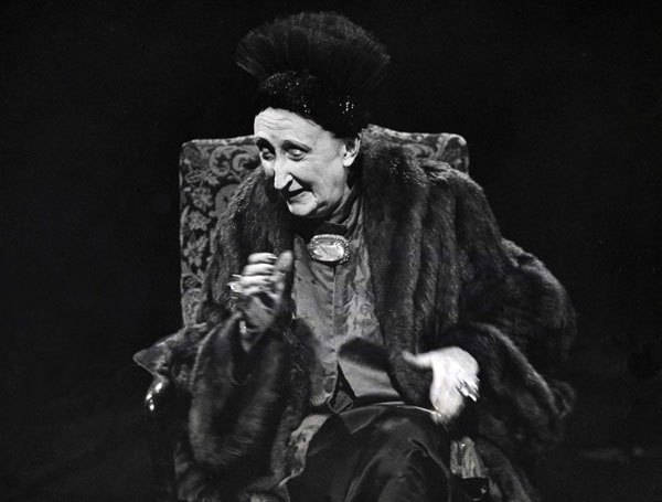 Dame Edith Sitwell was interviewed on her life, her ideals and ambitions by John Freeman on Face to Face on 6th May 1959.