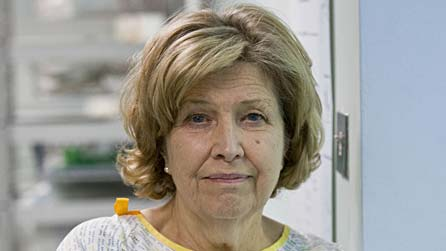 Pics For > Anne Reid Young