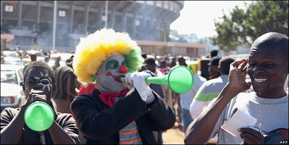 Zimbabweans outside the stadium in Harare