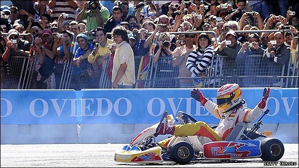 Fernando Alonso wows a large crowd in his hometown of Oviedo in northern Spain