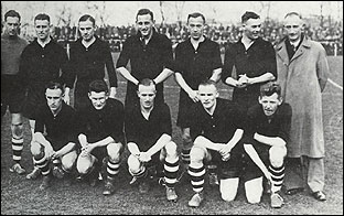 As manager of the pre-war PSV team.