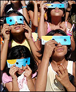 Picture: Chidren wearing special glasses to protect their eyes from the sun