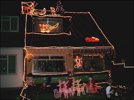 Christmas Lights On Houses.Bbc Essex In Pictures Christmas Lights On Houses