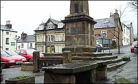 The obelisk and fish slabs in Broughton Market Square