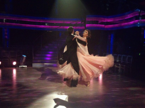 An elegant Waltz from Alex and James