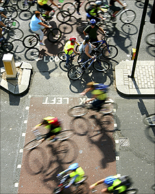 Mass cycle in London