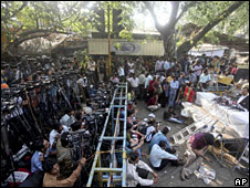 The media outside the Mumbai court during Qasab's conviction